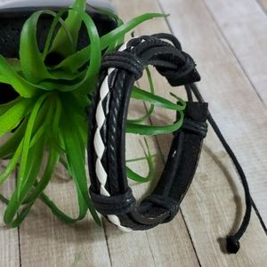 B402 Woven Black White Adjustable Leather Bracelet